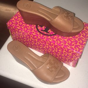 TORY BURCH sandals wedges shoes • new